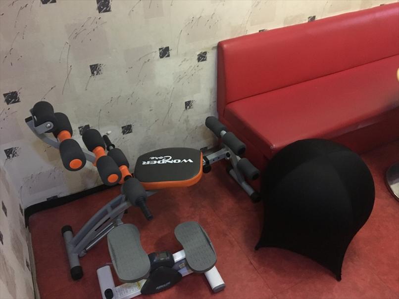 カラオケJスタジアム初生店の部屋の器具