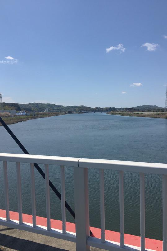 都田川桜堤の橋からの眺め