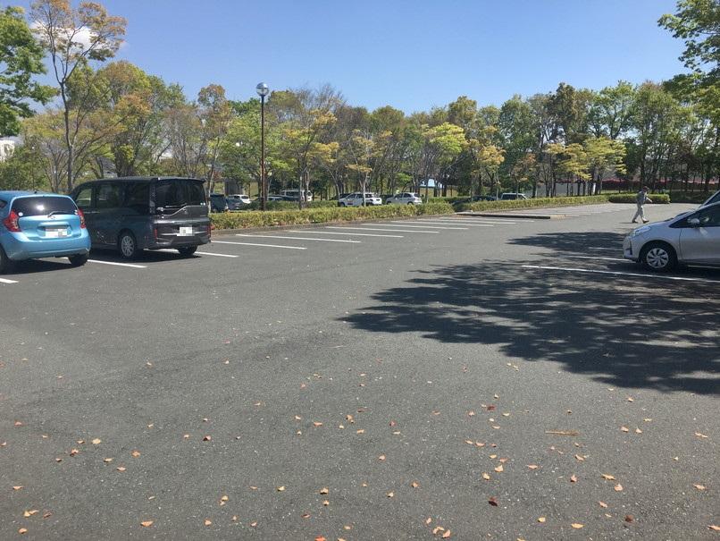 都田総合公園の南駐車場