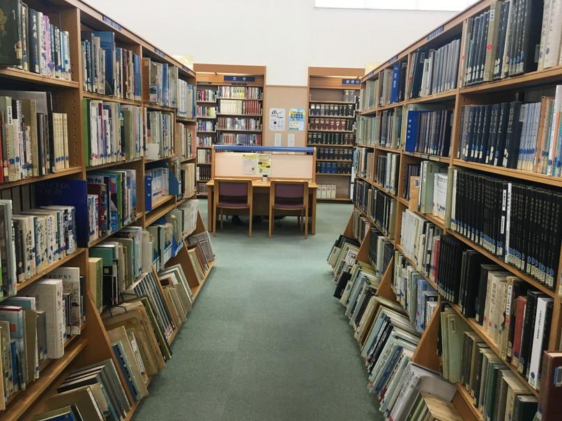 磐田市立図書館の様子