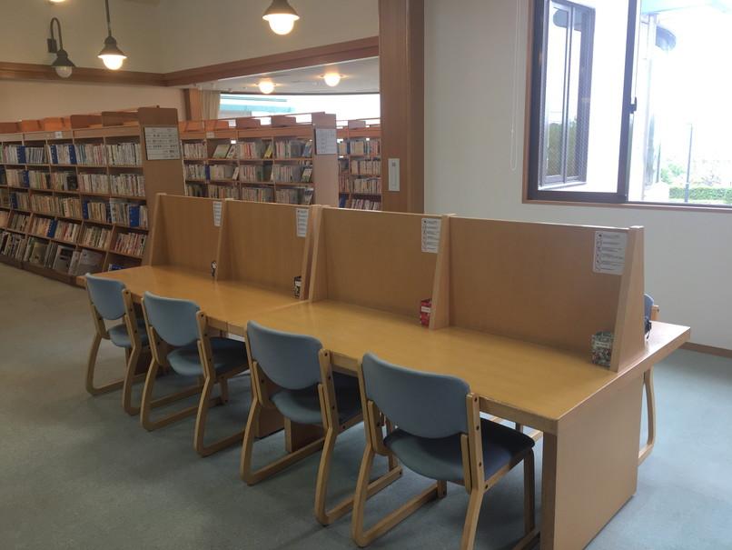 引佐図書館の自習席