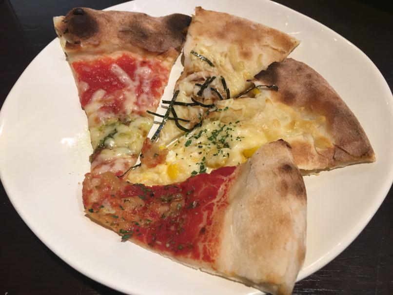 プレ葉ウォーク浜北のイタリアンバイキングFANTASIAのピザ