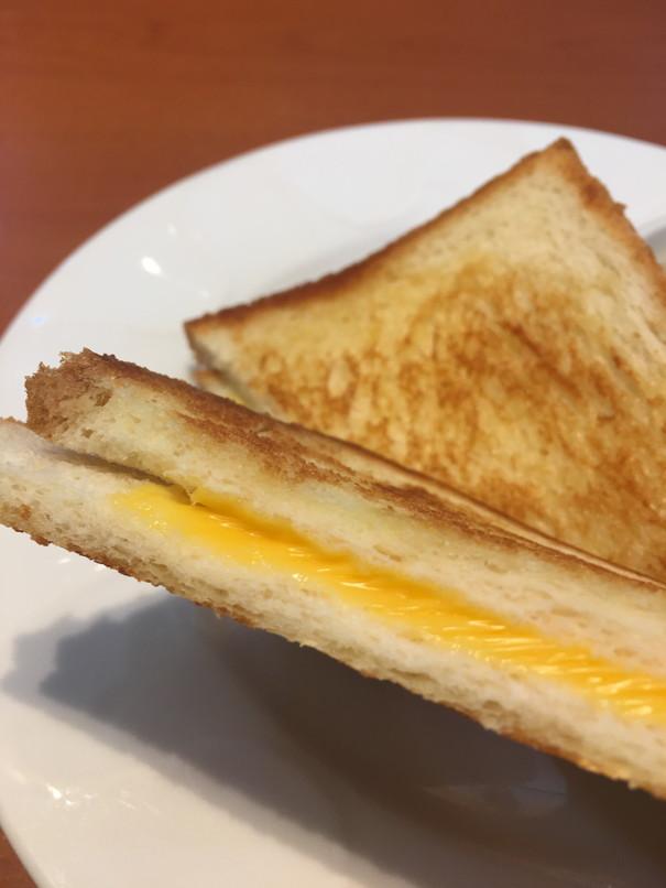 デニーズのグリルドチーズサンドモーニング