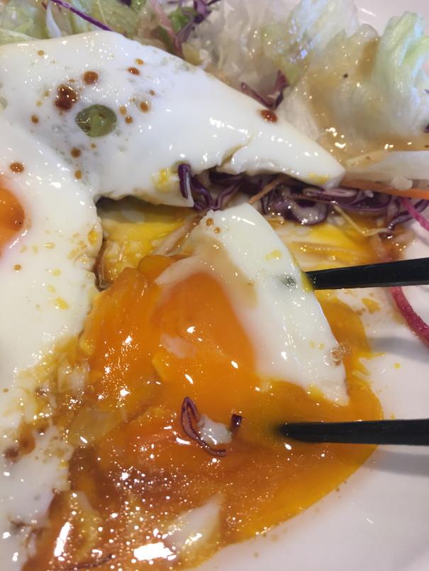 ガストモーニング目玉焼きセットの卵アップ