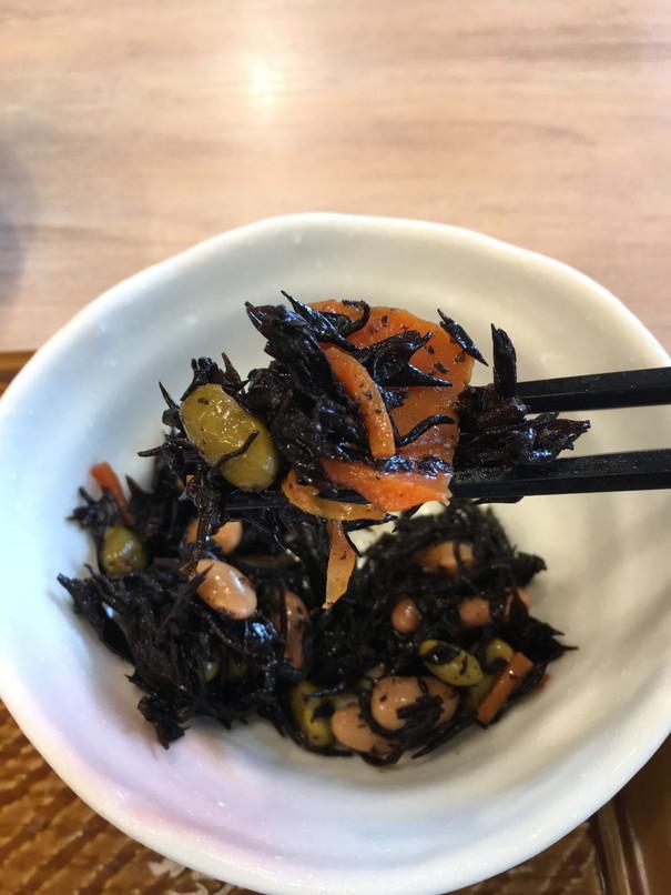 ガストのモーニング根菜具だくさん味噌汁定食のひじき