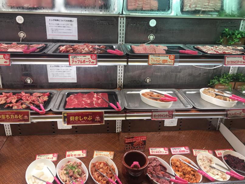 すたみな太郎浜北店の肉コーナー